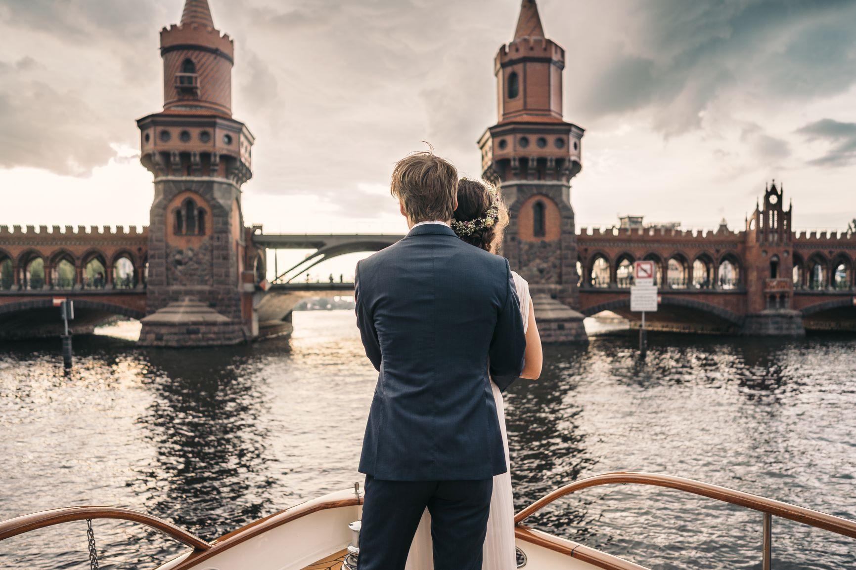 frauglueckundherrlich-fitzgerald-hochzeit- Schiff heiraten Berlin